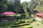 Park ze sceną i stołówką letnią.jpg